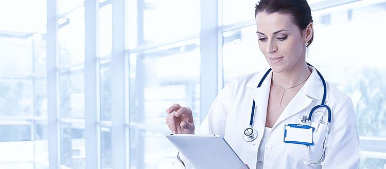 Como os softwares de medicina auxiliam o trabalho dos médicos?