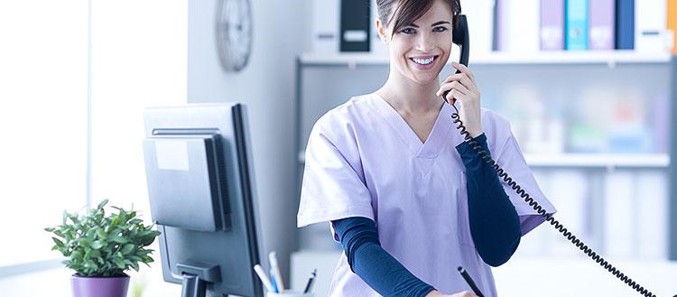 Você sabe as diferenças entre uma recepcionista e uma secretária de consultório?