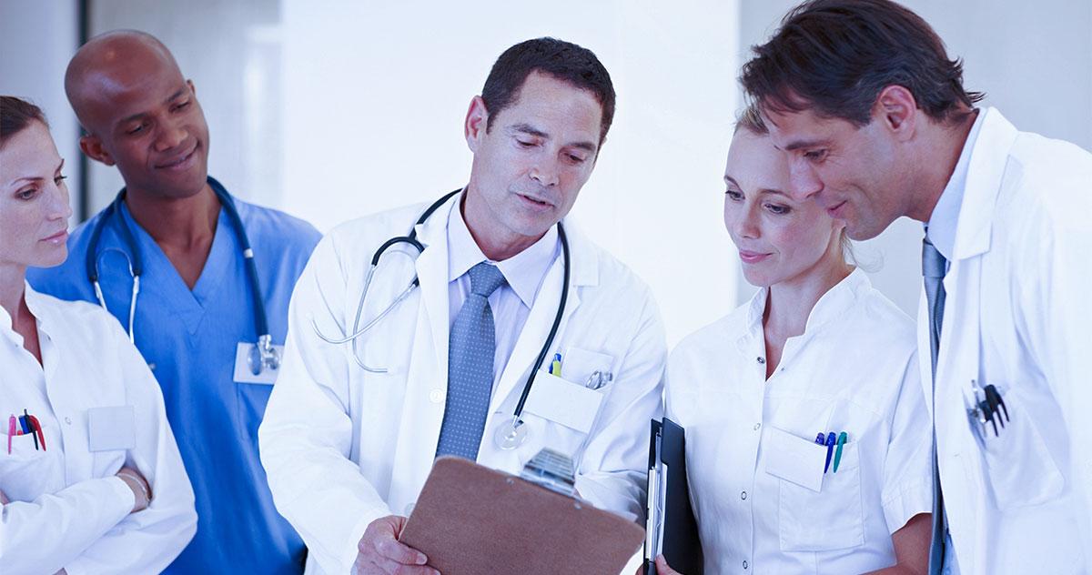 Você consulta a opinião de outros médicos?