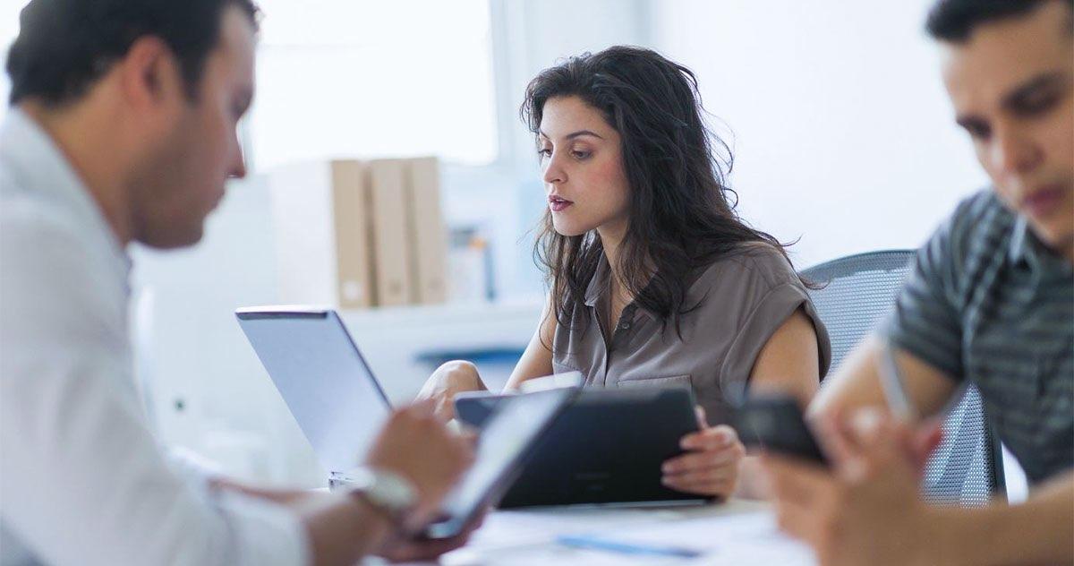 Cursos para recepcionista de clínica: saiba como crescer na profissão!