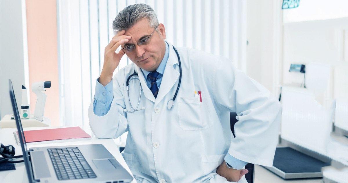Software médico gratuito: entenda suas limitações e riscos