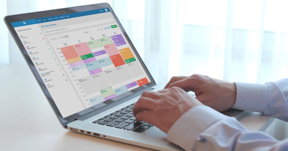 Como funciona a agenda médica do iClinic?