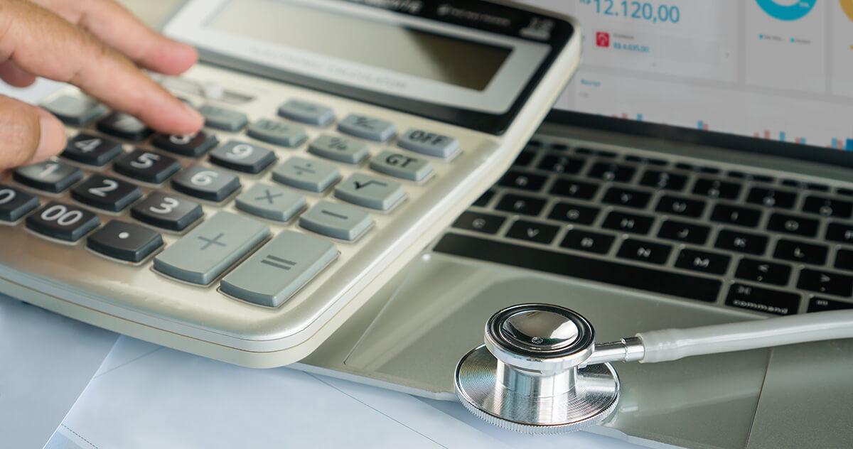 Como reduzir custos da sua clínica com um software médico?
