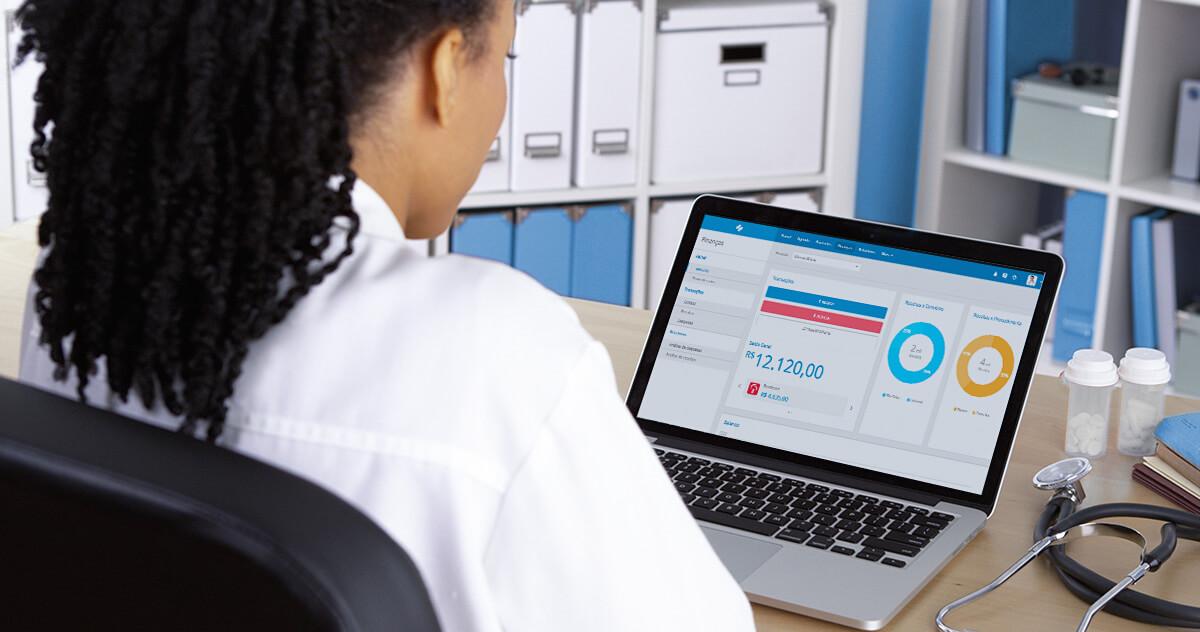 Quais os benefícios do iClinic para administradores de clínica?